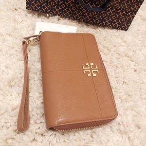 6effa0bfea9 Tory Burch wallet smartphone Wristlet brand new